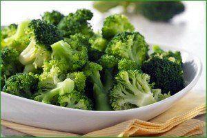 alimente bogate in calciu-broccoli