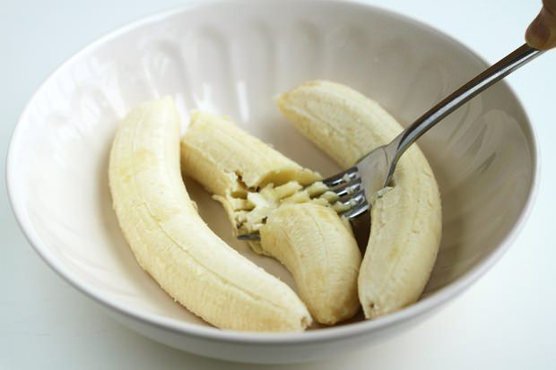 se paseaza bananele