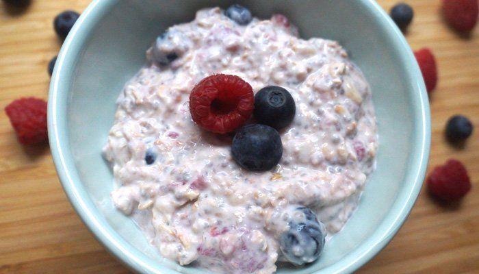 mic dejun sanatos iaurt cu fulgi de ovaz
