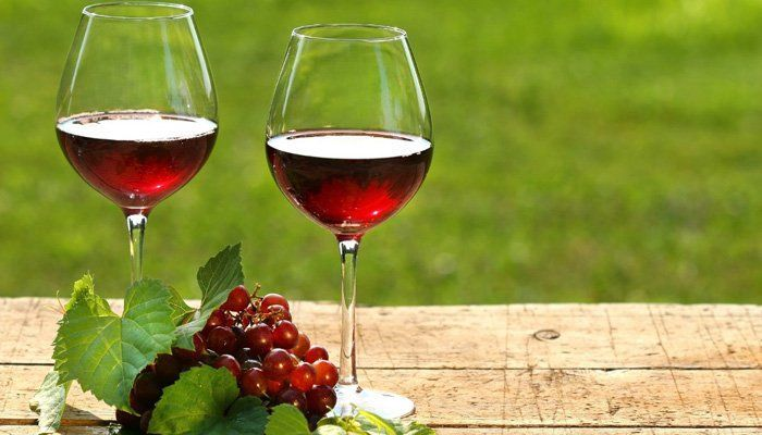 vin rosu beneficii cu masura
